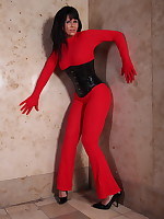 Desyra Noir is a retro red outfit | DesyraNoir.com