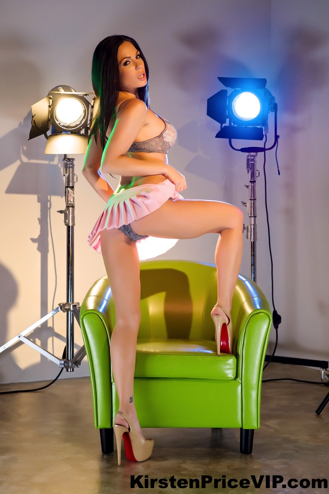 Hollywood movie lights solo with kirsten price 8