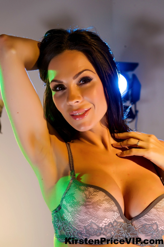 image Hollywood movie lights solo with kirsten price